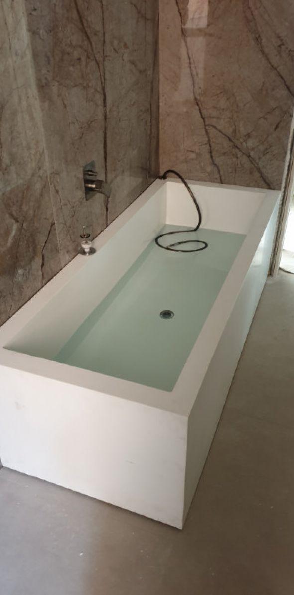 Ristrutturazione bagno con vasca da design